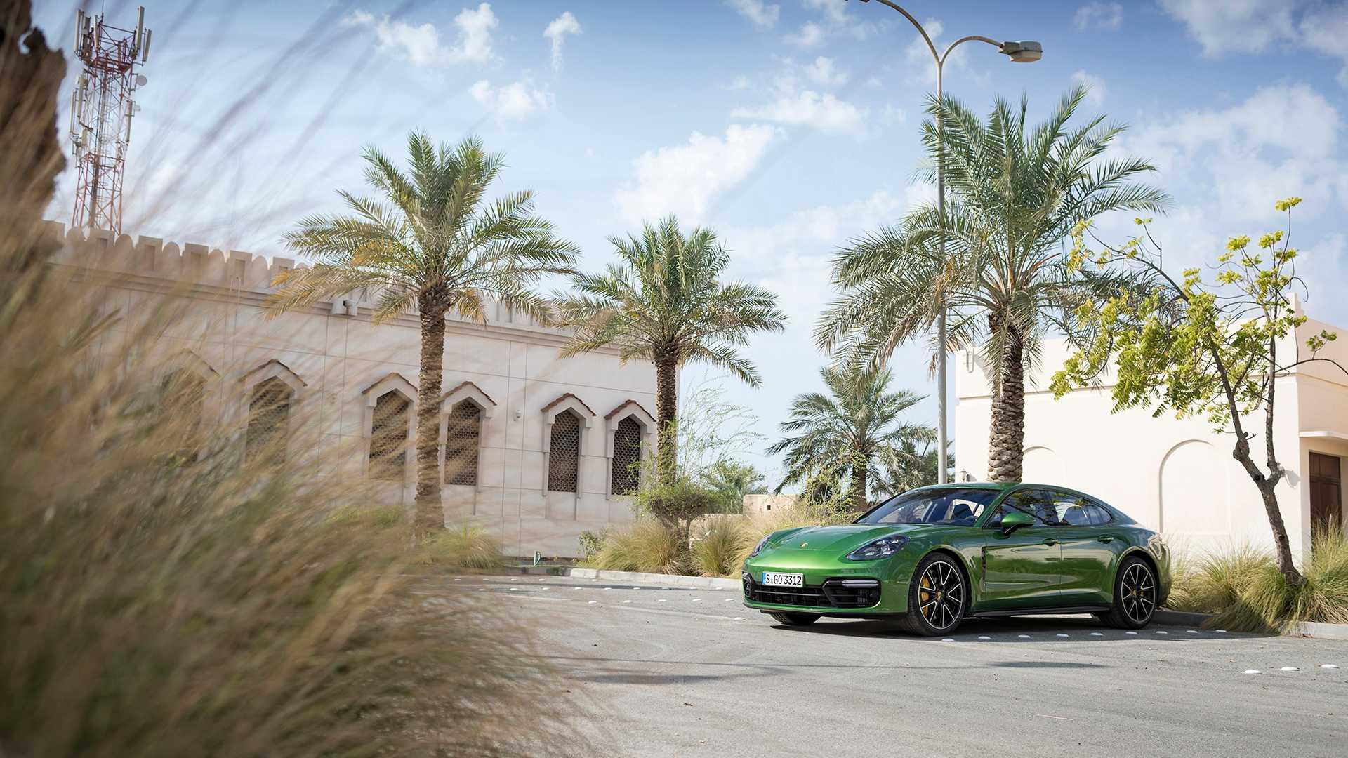 2019 Porsche Panamera GTS (Color: Mamba Green Metallic) Front Three-Quarter Wallpapers (14)