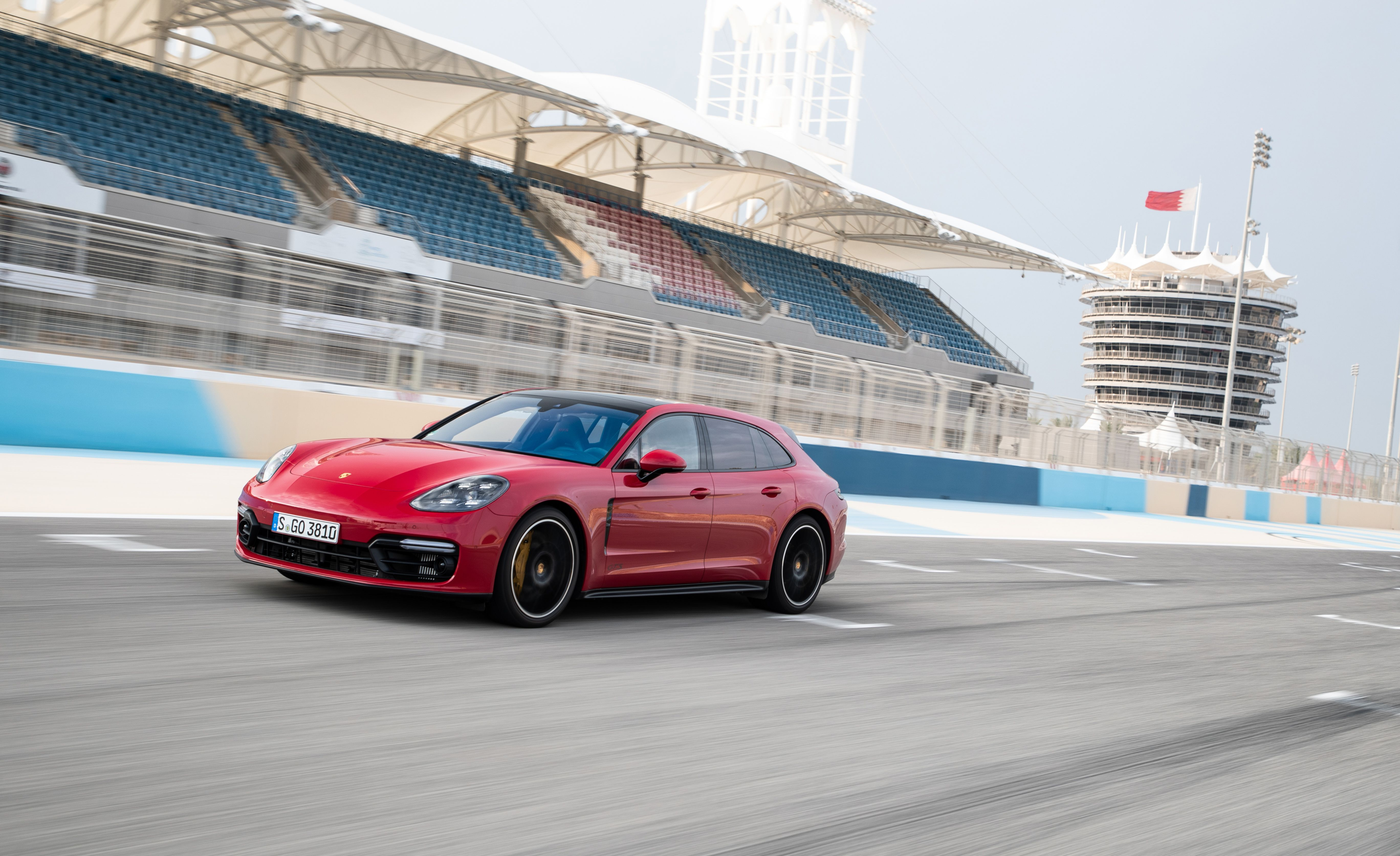 2019 Porsche Panamera GTS Sport Turismo Front Three-Quarter Wallpapers (2)