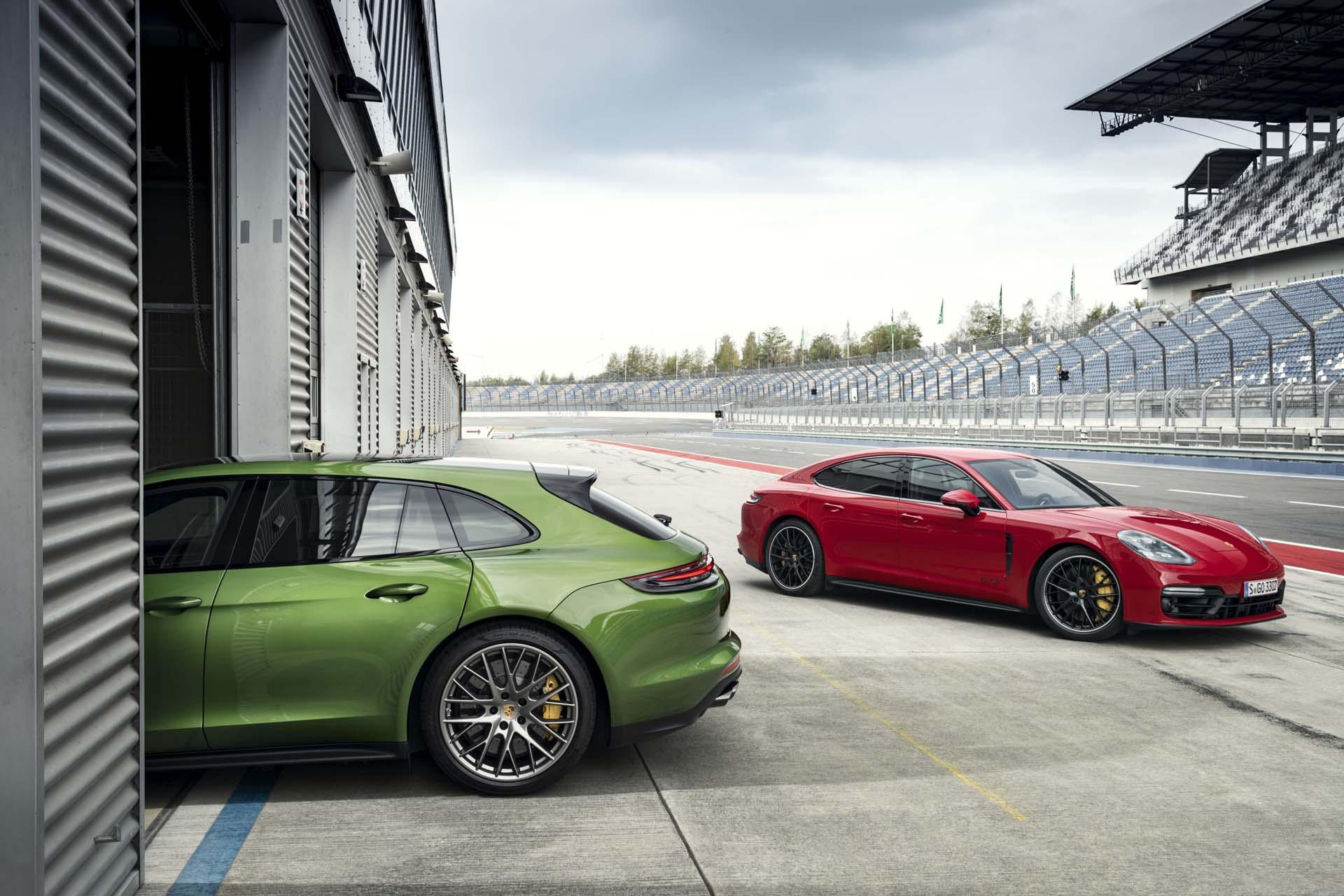 2019 Porsche Panamera GTS and Panamera GTS Sport Turismo Wallpapers (11)