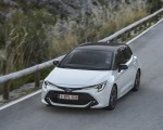 2019 Toyota Corolla Hatchback Hybrid 1.8L White Bitone (EU-Spec) Front Three-Quarter Wallpapers 150x120