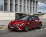 2019 Toyota Corolla Hatchback Hybrid 2.0L Red bitone (EU-Spec) Front Three-Quarter Wallpapers 150x120 (18)