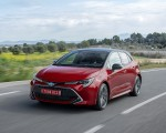 2019 Toyota Corolla Hatchback Hybrid 2.0L Red bitone (EU-Spec) Front Three-Quarter Wallpapers 150x120 (11)