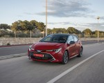 2019 Toyota Corolla Hatchback Hybrid 2.0L Red bitone (EU-Spec) Front Three-Quarter Wallpapers 150x120 (24)