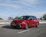 2019 Toyota Corolla Hatchback Hybrid 2.0L Red bitone (EU-Spec) Front Three-Quarter Wallpapers 150x120 (19)