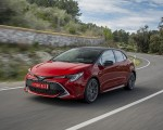 2019 Toyota Corolla Hatchback Hybrid 2.0L Red bitone (EU-Spec) Front Three-Quarter Wallpapers 150x120 (12)