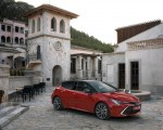 2019 Toyota Corolla Hatchback Hybrid 2.0L Red bitone (EU-Spec) Front Three-Quarter Wallpapers 150x120 (30)