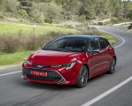 2019 Toyota Corolla Hatchback Hybrid 2.0L Red bitone (EU-Spec) Front Three-Quarter Wallpapers 150x120 (10)