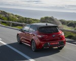 2019 Toyota Corolla Hatchback Hybrid 2.0L Red bitone (EU-Spec) Rear Three-Quarter Wallpapers 150x120 (27)