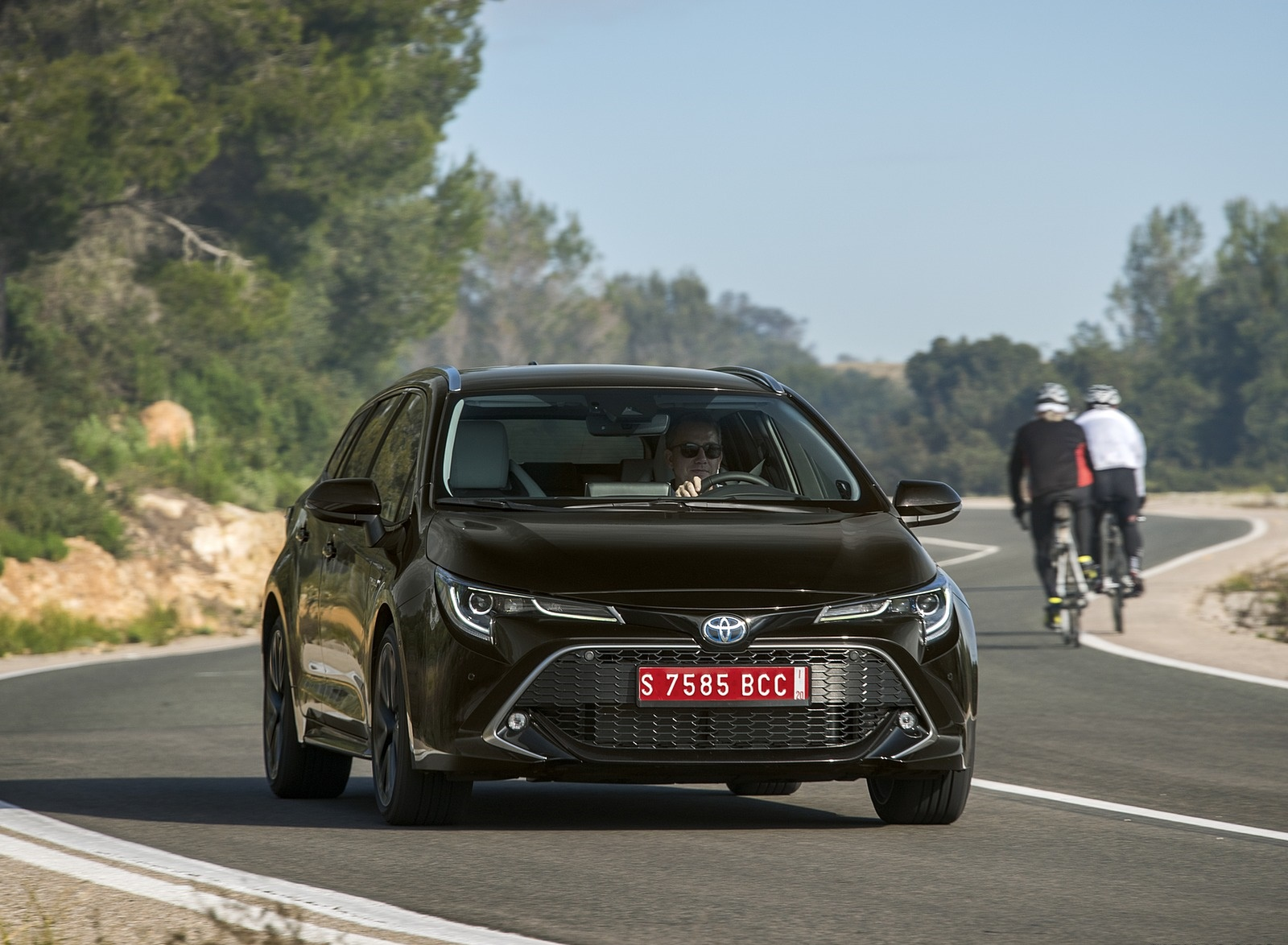 2019 Toyota Corolla Touring Sports 2.0L Brown (EU-Spec) Front Wallpaper (15)