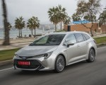 2019 Toyota Corolla Touring Sports Hybrid 1.8L Platinum (EU-Spec) Front Three-Quarter Wallpapers 150x120 (31)