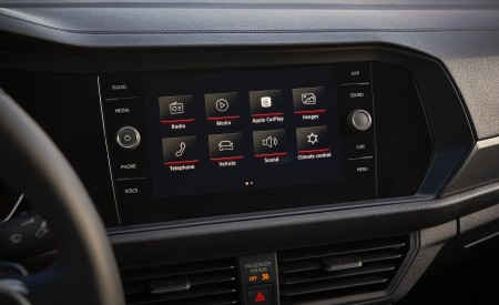2019 Volkswagen Jetta GLI Central Console Wallpaper 450x275 (27)