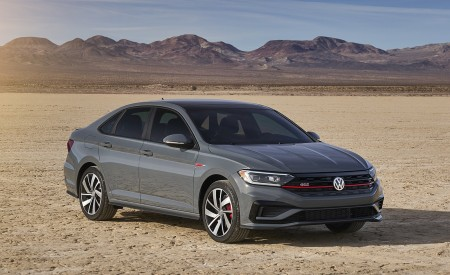2019 Volkswagen Jetta GLI Front Three-Quarter Wallpaper 450x275 (7)
