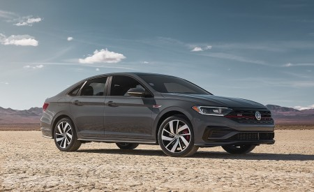 2019 Volkswagen Jetta GLI Front Three-Quarter Wallpaper 450x275 (13)