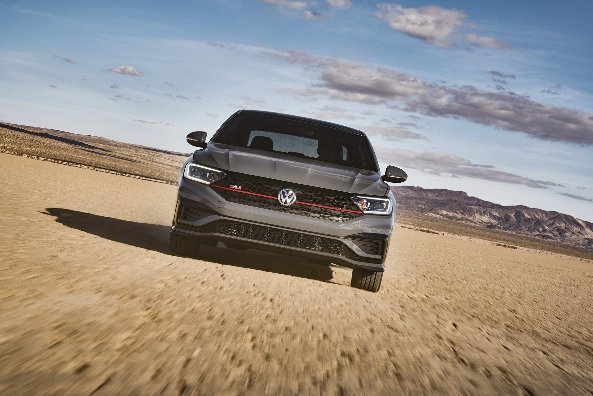 2019 Volkswagen Jetta GLI Front Wallpapers (1)