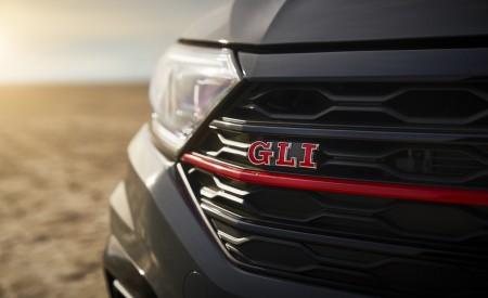 2019 Volkswagen Jetta GLI Grill Wallpapers 450x275 (19)