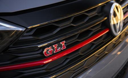 2019 Volkswagen Jetta GLI Grill Wallpapers 450x275 (18)