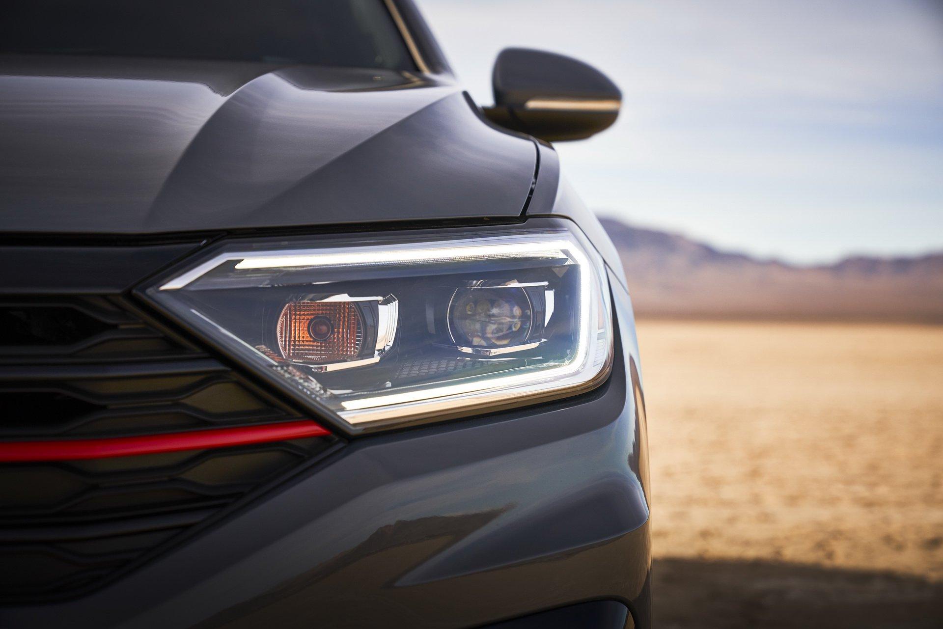 2019 Volkswagen Jetta GLI Headlight Wallpaper (15)