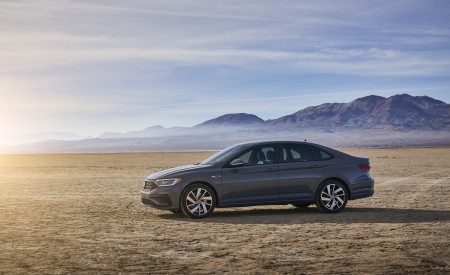 2019 Volkswagen Jetta GLI Side Wallpaper 450x275 (11)