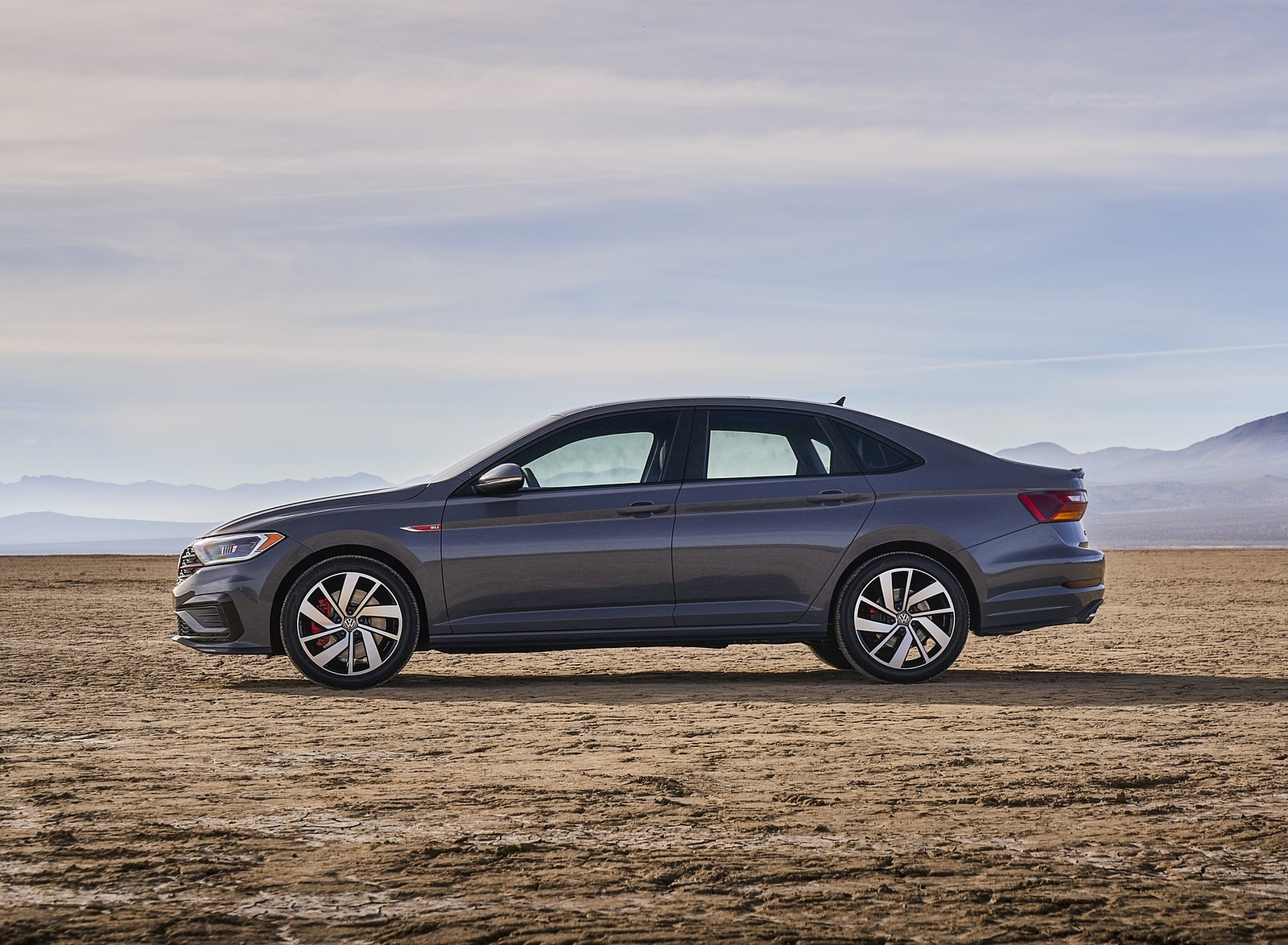 2019 Volkswagen Jetta GLI Side Wallpapers (12)