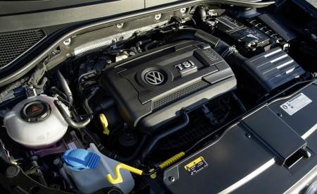 2019 Volkswagen T-Roc R Engine Wallpapers 450x275 (38)