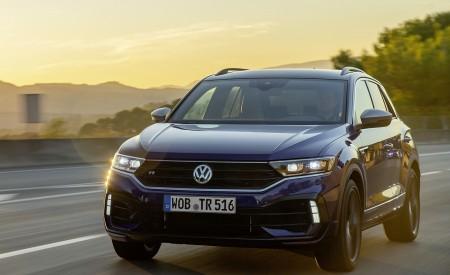 2019 Volkswagen T-Roc R Front Three-Quarter Wallpapers 450x275 (11)