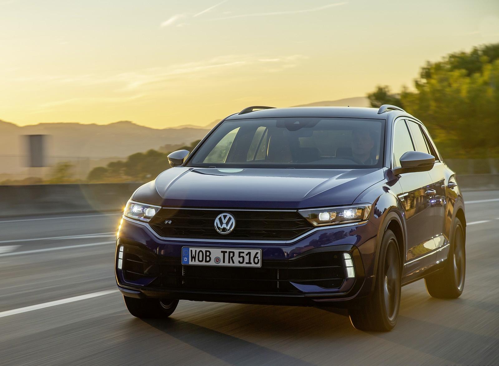 2019 Volkswagen T-Roc R Front Three-Quarter Wallpapers (11)