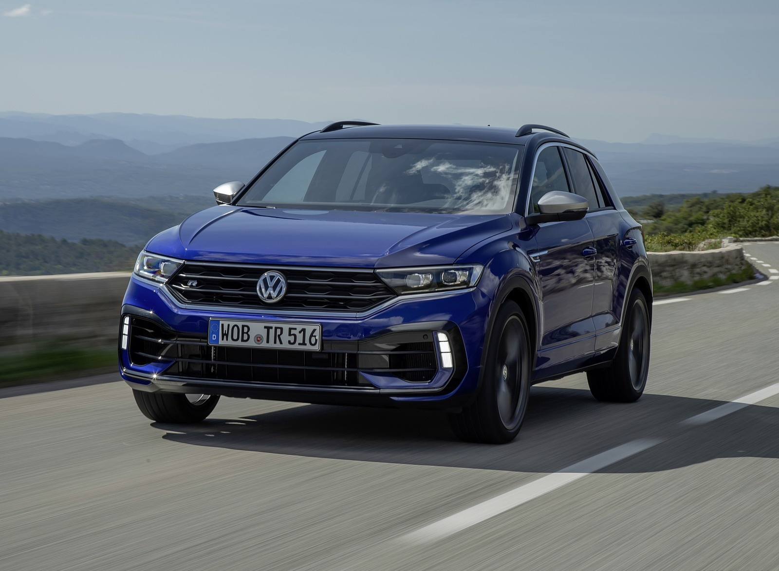 2019 Volkswagen T-Roc R Front Three-Quarter Wallpapers (3)