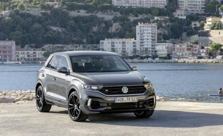 2019 Volkswagen T-Roc R Front Three-Quarter Wallpapers 450x275 (110)