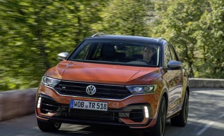 2019 Volkswagen T-Roc R Front Three-Quarter Wallpapers 450x275 (43)
