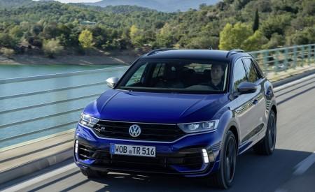 2019 Volkswagen T-Roc R Front Three-Quarter Wallpapers 450x275 (2)