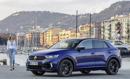 2019 Volkswagen T-Roc R Front Three-Quarter Wallpapers 450x275 (137)