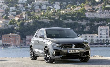 2019 Volkswagen T-Roc R Front Three-Quarter Wallpapers 450x275 (111)