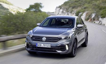 2019 Volkswagen T-Roc R Front Three-Quarter Wallpapers 450x275 (97)