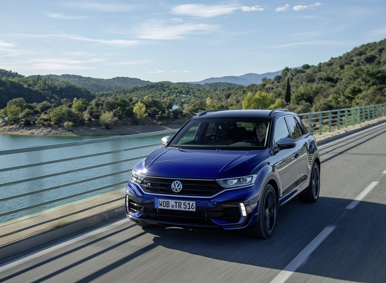 2019 Volkswagen T-Roc R Front Three-Quarter Wallpapers (4)