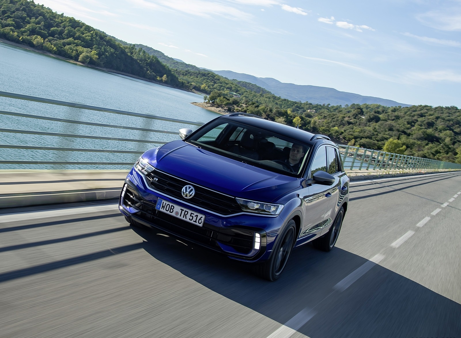 2019 Volkswagen T-Roc R Front Three-Quarter Wallpapers (1)