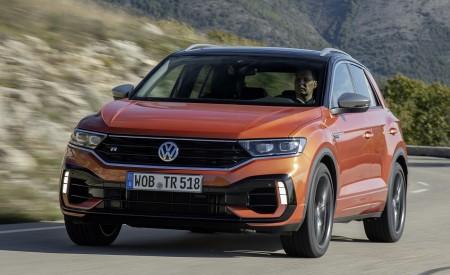 2019 Volkswagen T-Roc R Front Three-Quarter Wallpapers 450x275 (46)