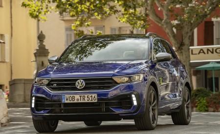 2019 Volkswagen T-Roc R Front Three-Quarter Wallpapers 450x275 (27)