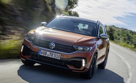 2019 Volkswagen T-Roc R Front Three-Quarter Wallpapers 450x275 (47)