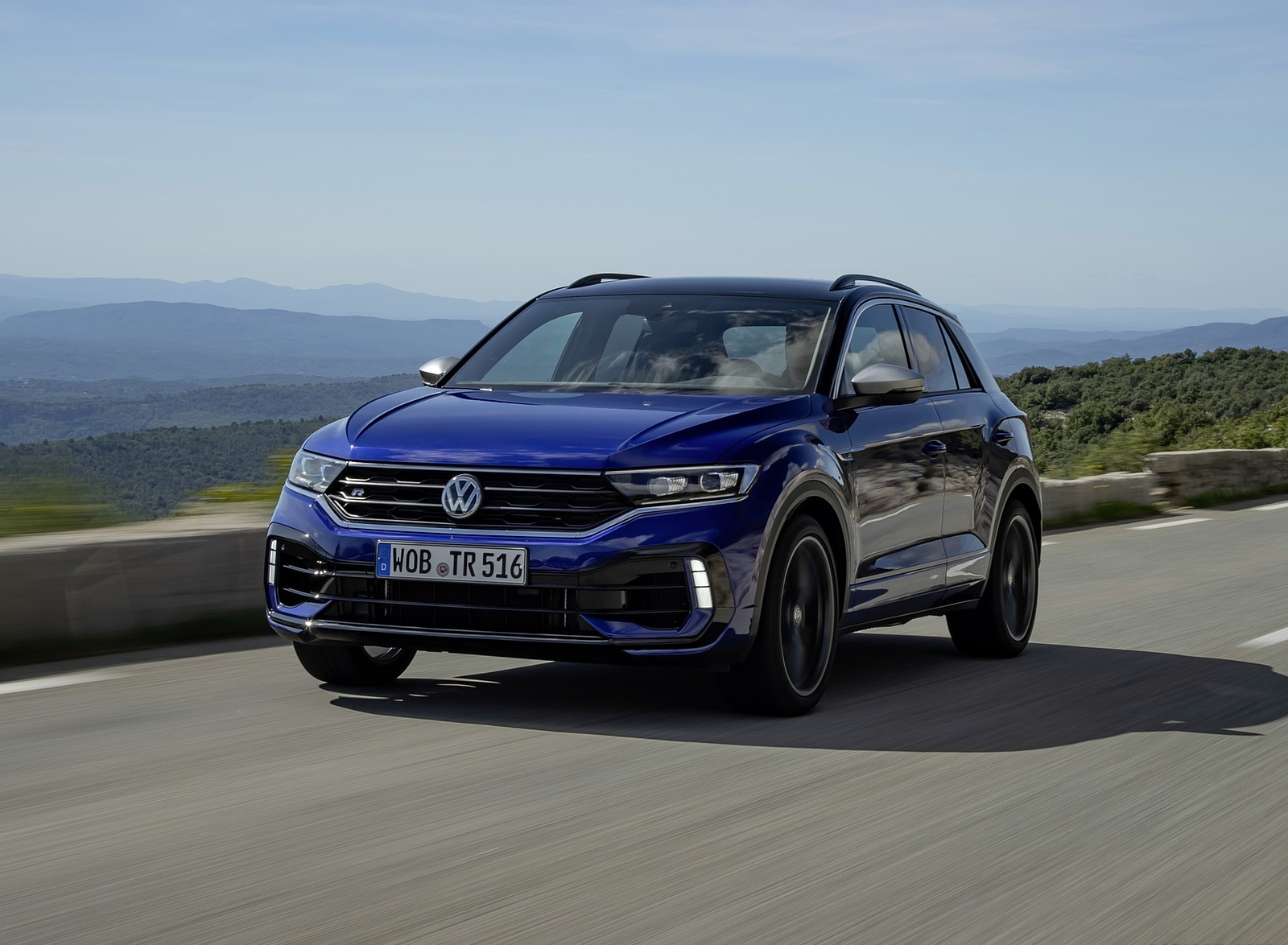 2019 Volkswagen T-Roc R Front Three-Quarter Wallpapers (5)
