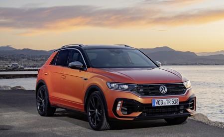 2019 Volkswagen T-Roc R Front Three-Quarter Wallpapers 450x275 (70)