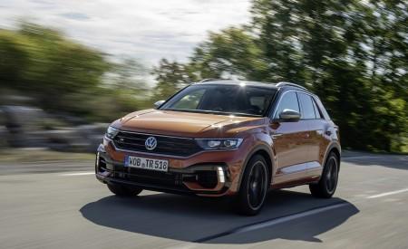 2019 Volkswagen T-Roc R Front Three-Quarter Wallpapers 450x275 (58)