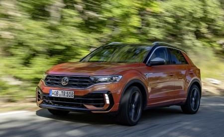 2019 Volkswagen T-Roc R Front Three-Quarter Wallpapers 450x275 (48)