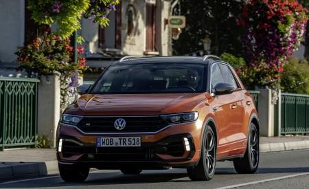 2019 Volkswagen T-Roc R Front Wallpapers 450x275 (71)