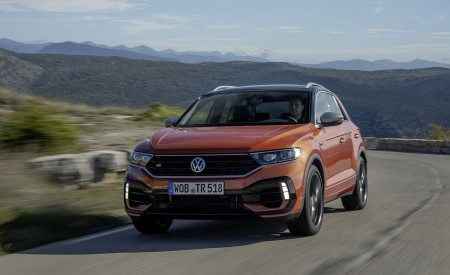 2019 Volkswagen T-Roc R Front Wallpapers 450x275 (51)