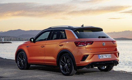 2019 Volkswagen T-Roc R Rear Three-Quarter Wallpapers 450x275 (73)