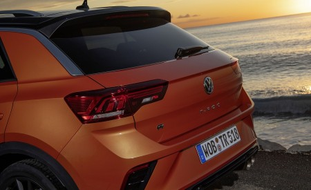2019 Volkswagen T-Roc R Tail Light Wallpapers 450x275 (82)