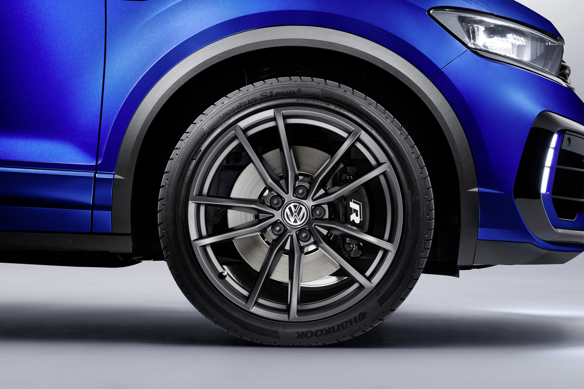 2019 Volkswagen T-Roc R Wheel Wallpaper (13)