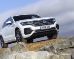 2019 Volkswagen Touareg V6 TDI R-Line (UK-Spec) Front Wallpapers 150x120