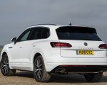 2019 Volkswagen Touareg V6 TDI R-Line (UK-Spec) Rear Three-Quarter Wallpapers 150x120