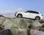 2019 Volkswagen Touareg V6 TDI R-Line (UK-Spec) Side Wallpaper 150x120
